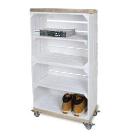 Schrank hoch aus Obstkisten weiß mit einem weißen Regalbett lang einschließlich Schwenkrad 2